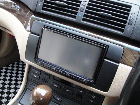 BMW E46 2DINナビをインストール