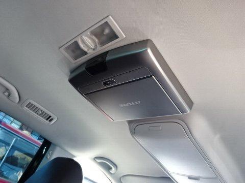 VWシャラン フリップダウンモニター設置はおまかせください