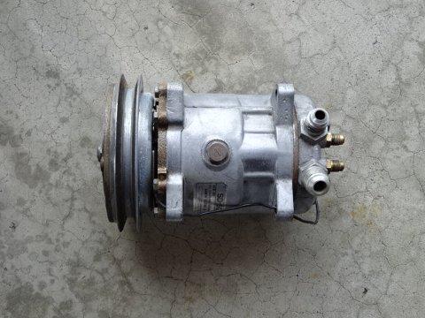 KHC130ローレル リビルトコンプレッサー